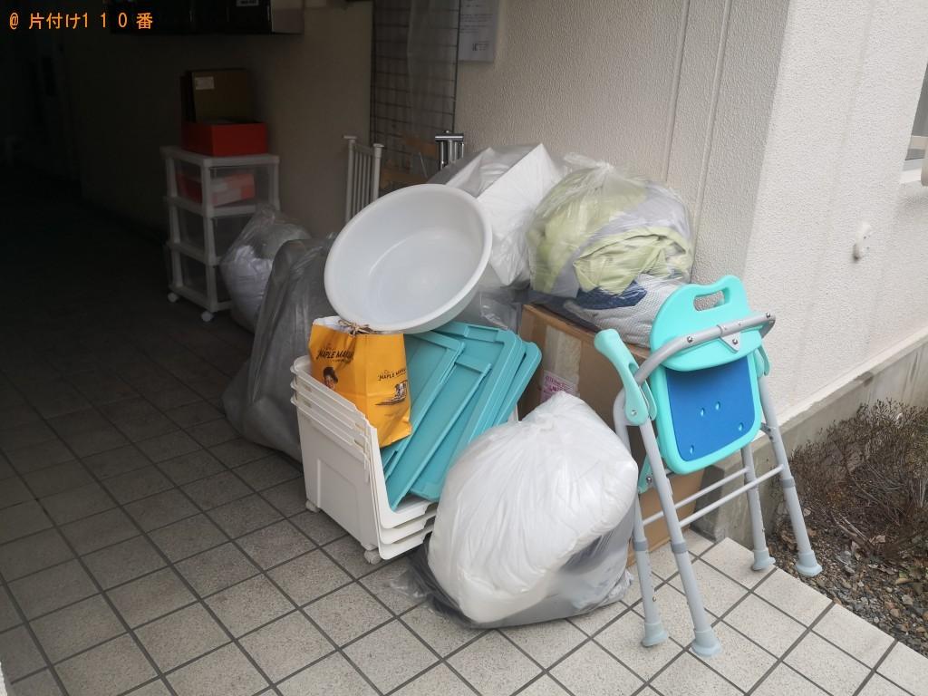 【奈良市三条栄町】ガラスケース入りの人形、カラーボックス等の回収