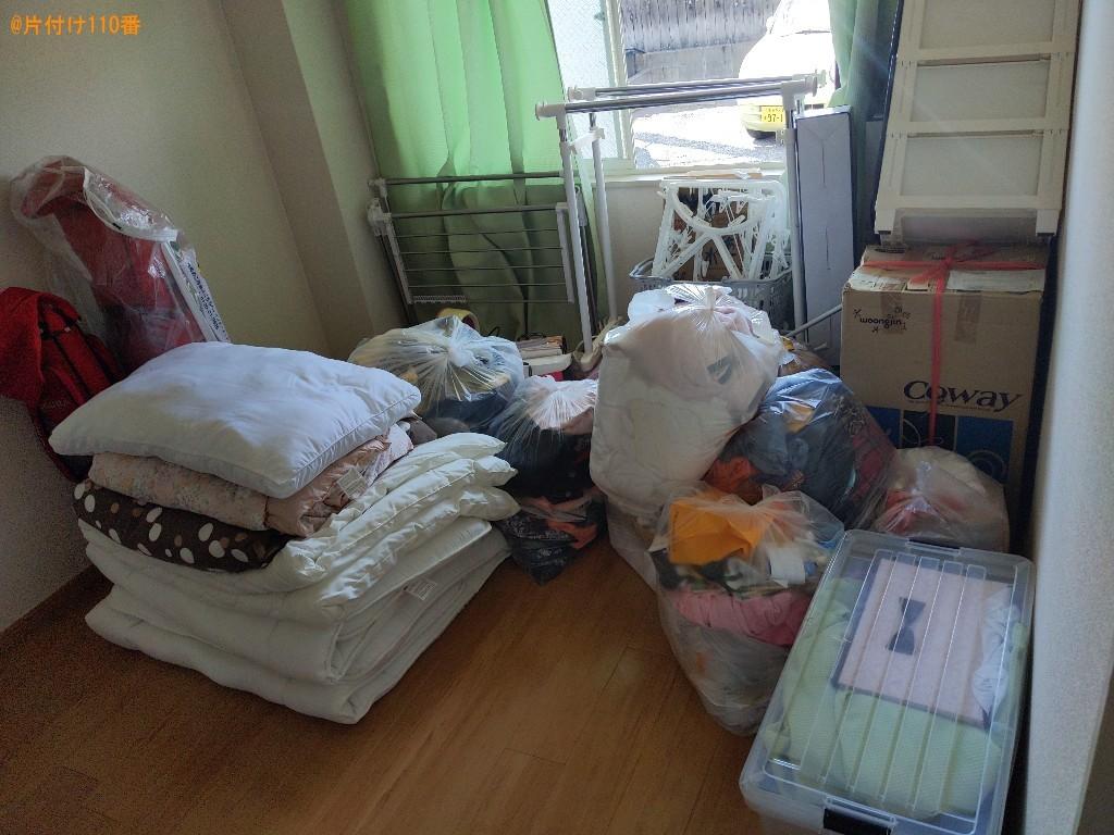 【橿原市曲川町】衣装ケース、布団、ハンガーラック、衣類等の回収